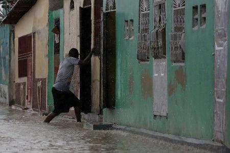 Haiti sofre, não apenas com a passagem de furacão, mas com o capitalismo predatório e o saqueio imperialista.