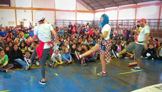 Grupo 'Teatrando Por Aí' estreia nova turnê no Sul do Brasil