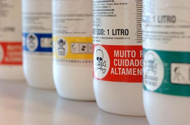 Anvisa discute três propostas para atualizar as regras para agrotóxicos no Brasil