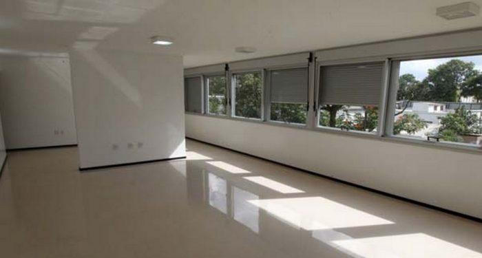 Apartamentos têm em média 250 m2, duas salas, 4 suítes, escritório etc