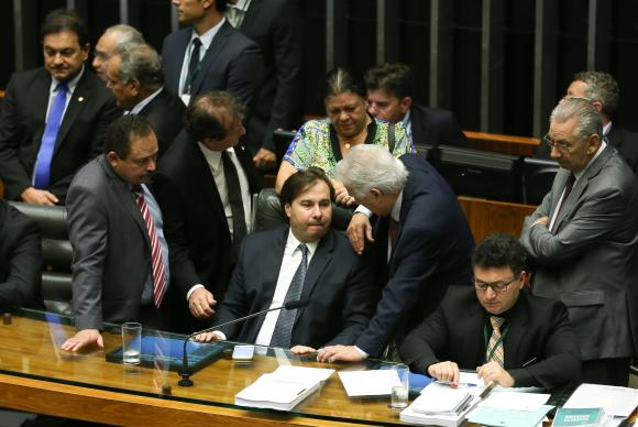 Maia marcou para terça-feira a votação de pacote anticorrupçãoFabio Rodrigues Pozzebom/Agência Brasil