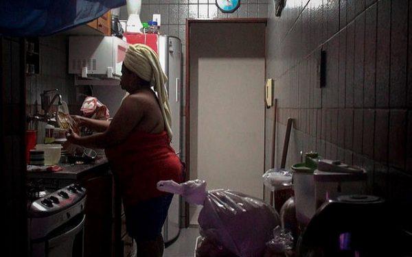 Por conta da informalidade, empregadas domésticas já têm dificuldades em se aposentar