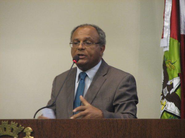 A Câmara Municipal de Florianópolis realiza audiência pública sobre medida provisória sobre a regularização fundiária