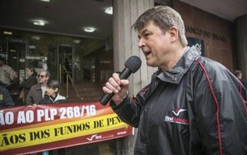 Justiça censura jornal da CUT sobre reforma da Previdência