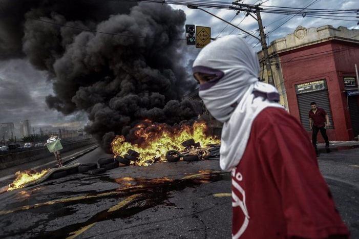 MTST bloqueia avenida central de São Paulo contra retrocessos de Temer