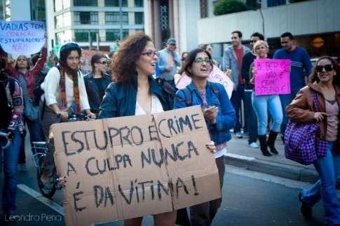 """""""Quem mandou dormir com a porta aberta?"""", diz delegada a vítima de tentativa de estupro em SC"""