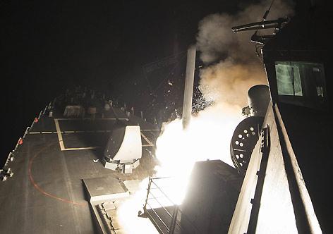 EUA ataca Síria com mísseis Tomahawk