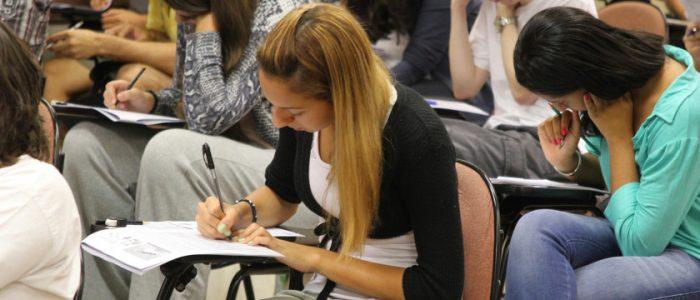 Mais de 60% dos jovens fora da escola no Brasil têm de 15 a 17 anos