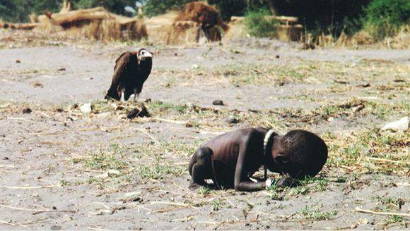 O fotógrafo Kevin Carter e os abutres da profissão