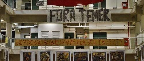 """Chapecó/SC: O """"FORA TEMER"""" que incomodou alguns durante a formatura"""