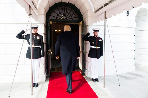 100 dias de Trump e o imperialismo espectáculo