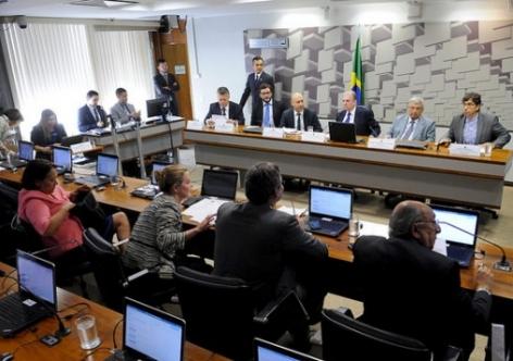 Em obstrução, oposição tenta barrar relatório da reforma trabalhista