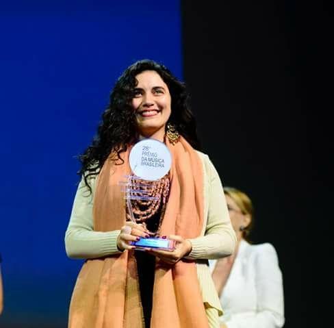 Joinvilense Ana Paula da Silva ganha prêmio nacional da música brasileira