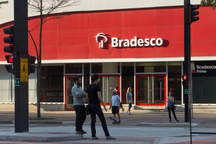 Plano de demissões voluntárias do Bradesco prenuncia aplicação da nova legislação trabalhista?