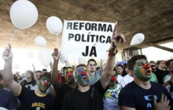 A construção da democracia no Brasil