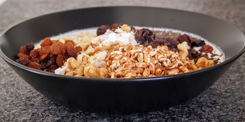 Do breakfast cereals contain endocrine-disrupting pesticides?