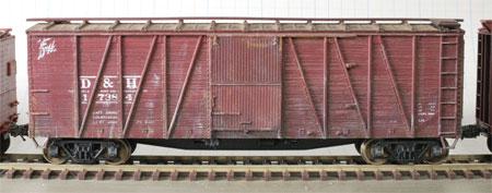 Accurail 8-panel single sheathed box car