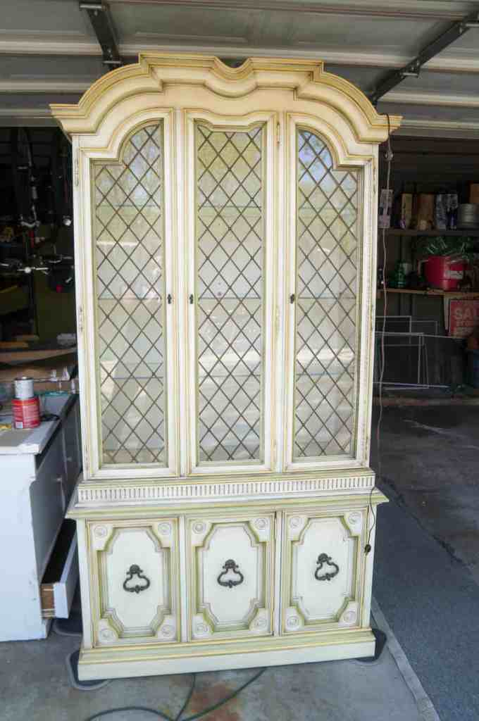 Drexel China Hutch