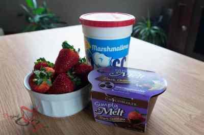 Strawberries ~ Marshmallow Fluff ~ Simply Melt Chocolate
