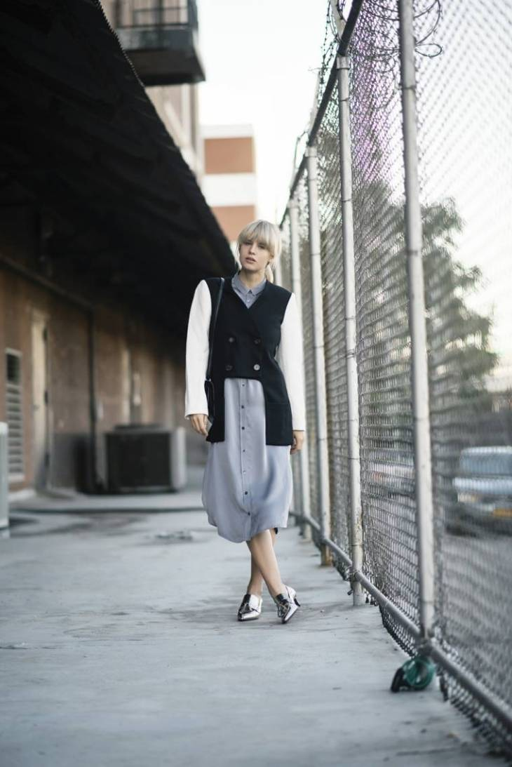 robe en soie banana republic veste design noir blanc tendance