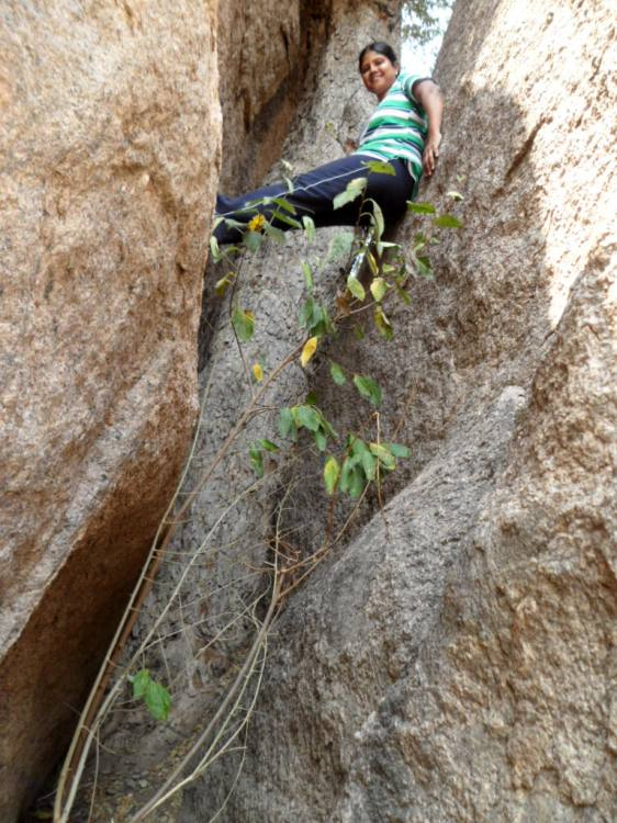 Rajani Pothineni doing rock climbing (1)
