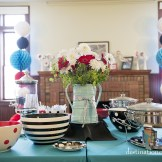 Retro wedding buffet in red, turquoise and black
