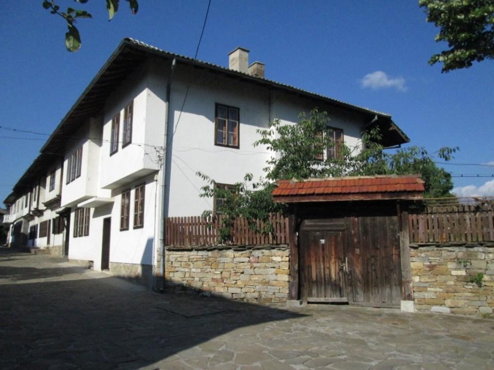 Старата улица 2