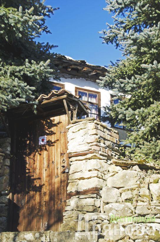 Село Бучуковци - къща