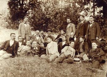 юли 1897 г.; учители от Дряново - Досьо Янков, Гарбузанов, Ганчо Руневски, Стефан Крусев, Стефан Рашенов и др.