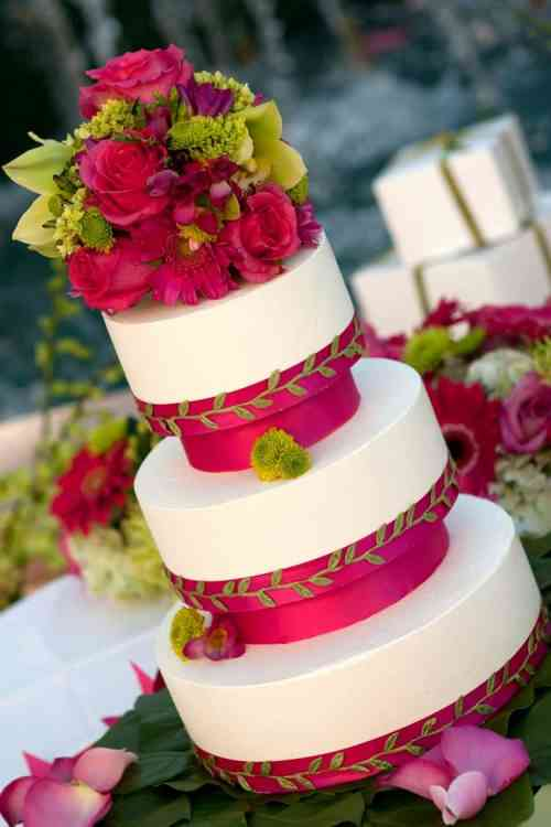 Medium Of Beach Wedding Cake
