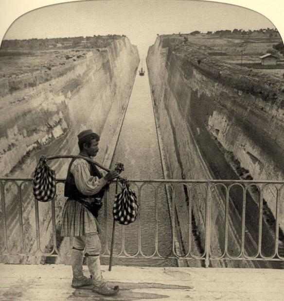 Γέφυρα του Ισθμού της Κορίνθου, 1906... Διαβάστε όλο το άρθρο: http://www.mixanitouxronou.gr/aftin-tin-ikona-iche-to-megalitero-techniko-ergo-tis-elladas-dio-chronia-meta-tin-enarxi-ton-ergasion-i-prospathies-gia-to-schediasmo-ke-tin-oloklirosi-kratisan-sinolika-2-300-chronia/