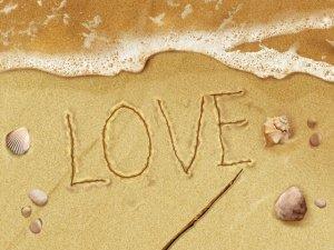 (Kata Mutiara Cinta) Cinta Adalah