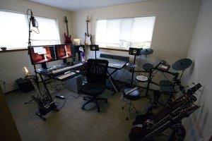home-recording-studio-no-frills-787x525