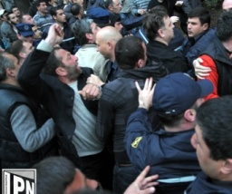 Ghurta_clashes_2014-03-08_cropped
