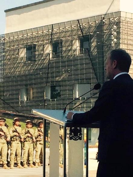 donald_tusk_Georgian_soldiers