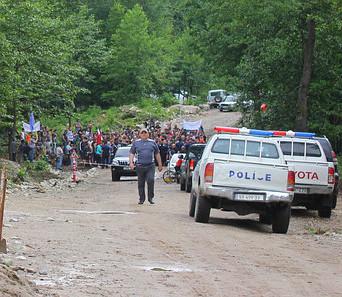 nenskra_police_block