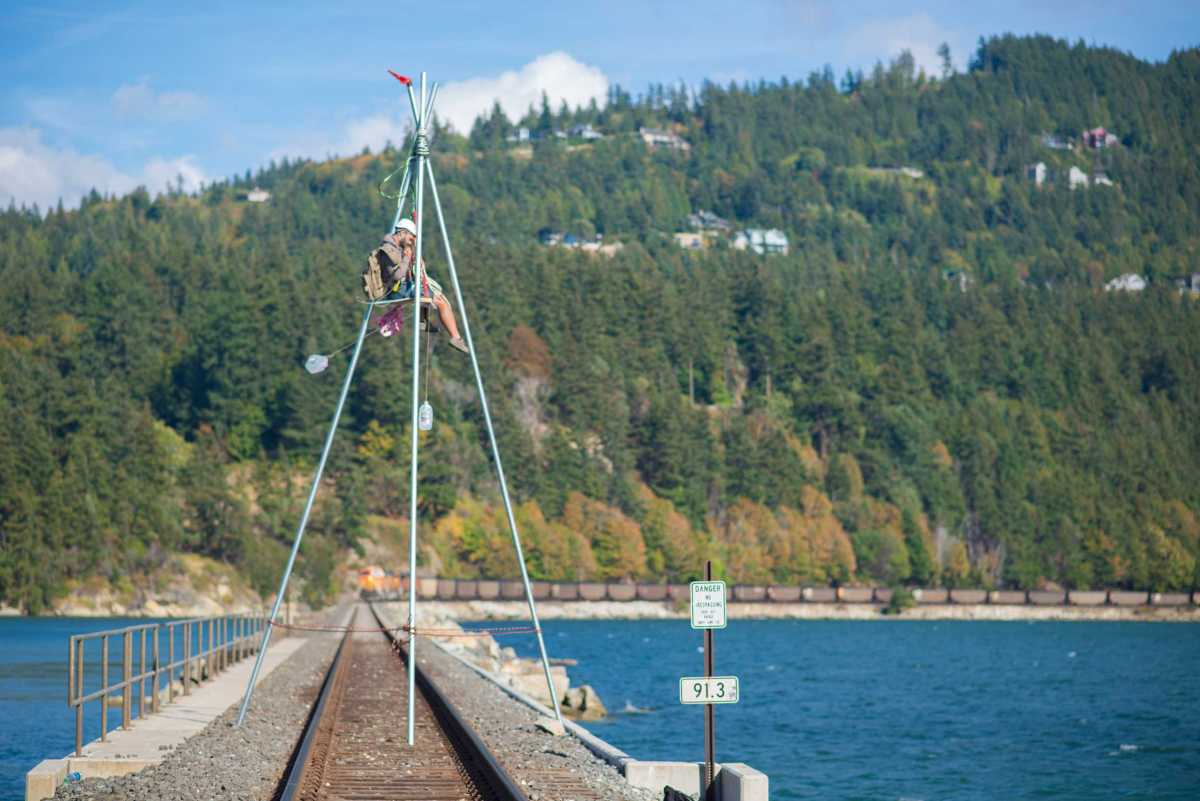 Activists blockading coal train in Bellingham
