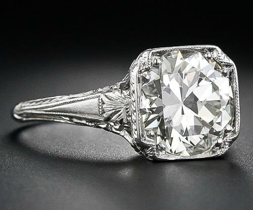 Shoulder view of 3.26 carat antique diamond engagement ring. Late Edwardian or early Art Deco. Via Diamonds in the Library.