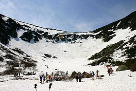 Tuckerman's Ravine in the spring (M. Sheppard photo, Wikipedia Commons).
