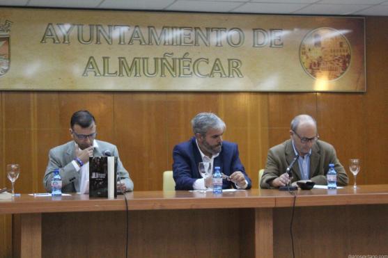 JOSE LUIS LOPEZ RECIO PRESENTA SU LIBRO EN ALMUÑECAR 17 (1)