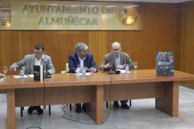 JOSE LUIS LOPEZ RECIO PRESENTA SU LIBRO EN ALMUÑECAR 17 (3)