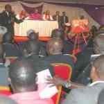 VIDEO: Uhuru Lectures Bishop During Ole Ntimama's Burial