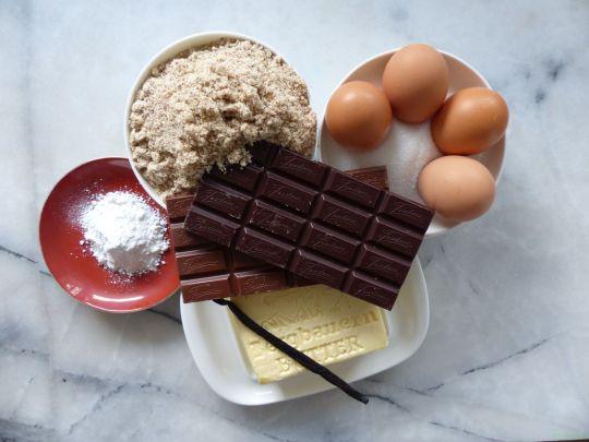 perfect chocolate cake  1 © www.dieblauenstunden.com
