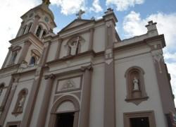 Paróquia Santo Antônio tem apresentação de Terno de Reis