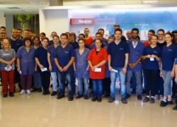 Meber compartilha bons resultados com equipe na distribuição do PPR
