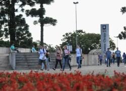 UCS divulga nota oficial sobre alteração em estacionamento de vans no campus sede