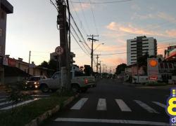 Mesmo com acidentes, motoristas ainda realizam conversão proibida no São Roque em Bento