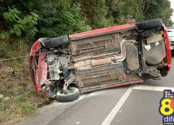 Mulher sai ilesa de acidente na BR 470 em Bento