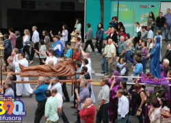 Procissão do Encontro reúne mais de 10 mil fiéis no centro de Bento