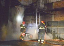 Incêndio atinge depósito de empresa em Garibaldi
